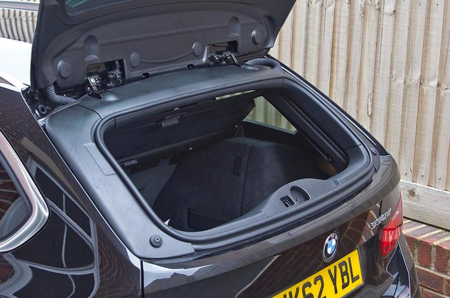 BMW 330d Touring rear hatch