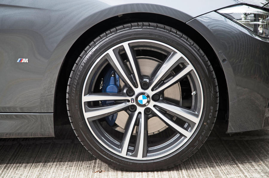19in BMW 330e M Sport alloy wheels