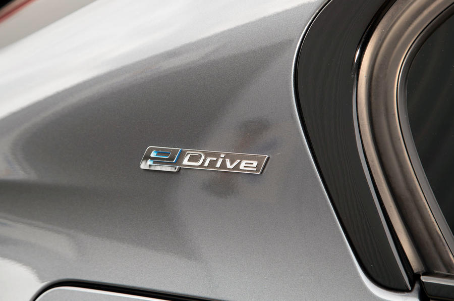 BMW 330e eDrive badging