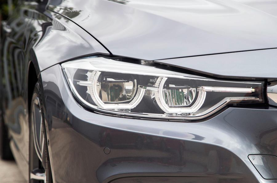 BMW 330e LED headlights