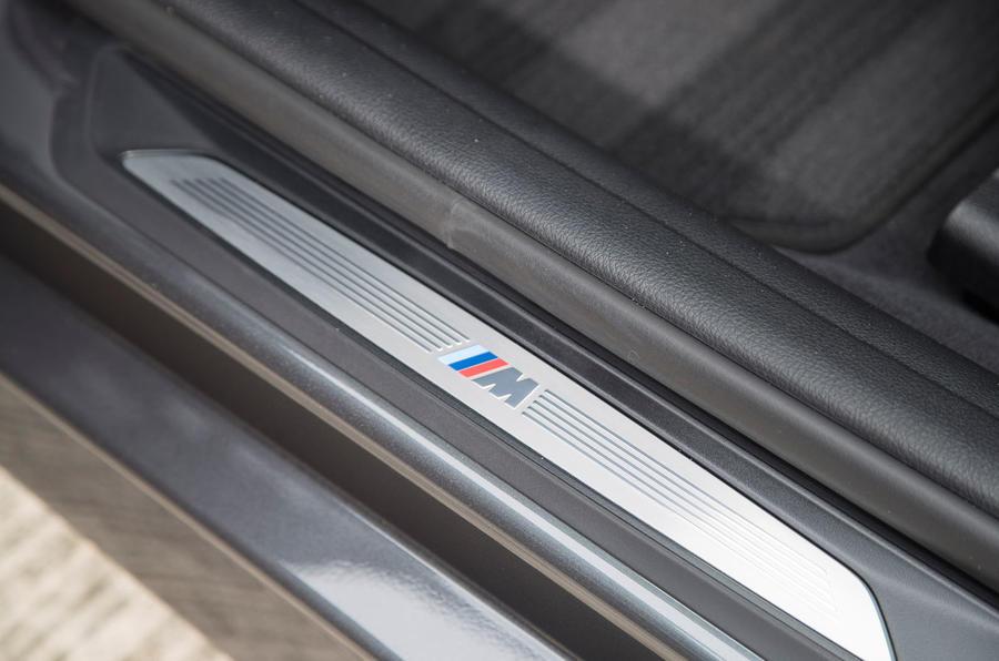 BMW 330e M Sport side sills