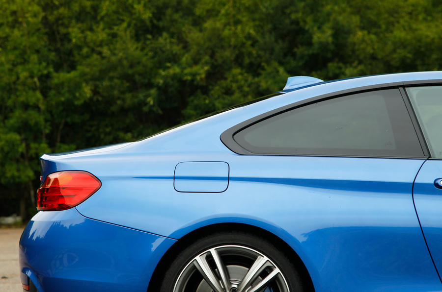 BMW 4 Series Coupé profile