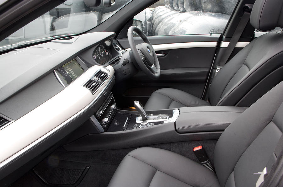 BMW 5 GT's front seats