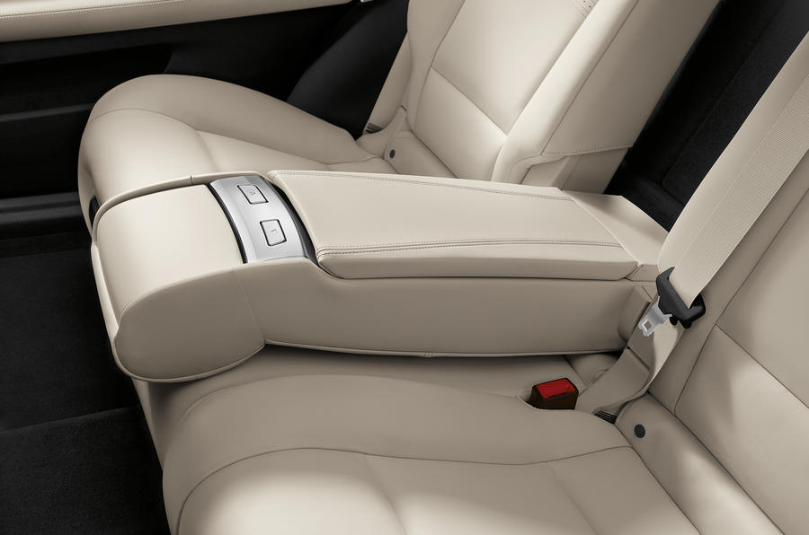 BMW 5 Series rear seat configuration