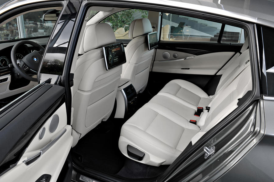 ... BMW 5 Series Rear Seats ...