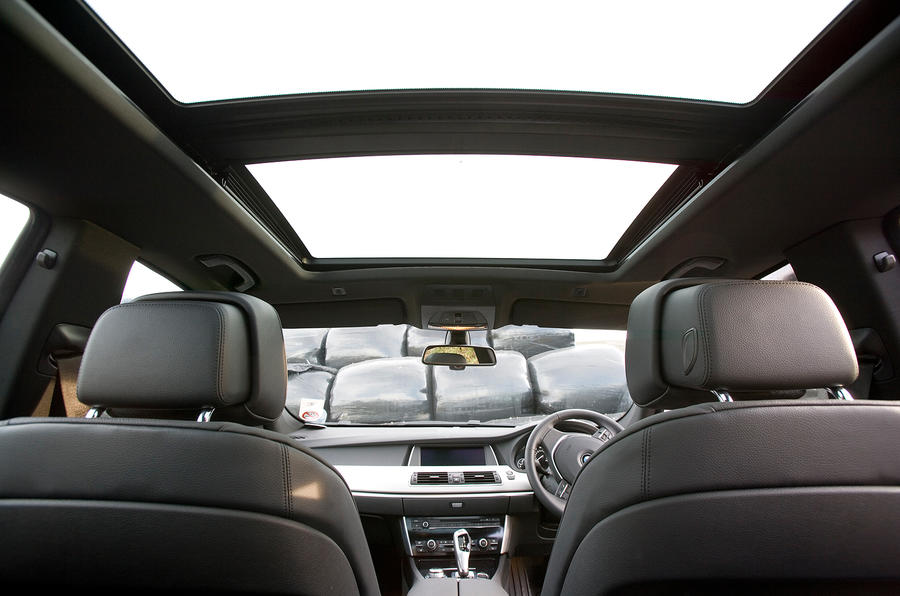 BMW 5 GT panoramic roof