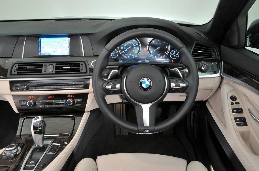 BMW 5 Series Touring dashboard