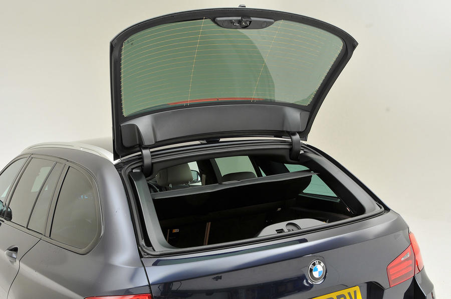 BMW 5 Series Touring hatch opening