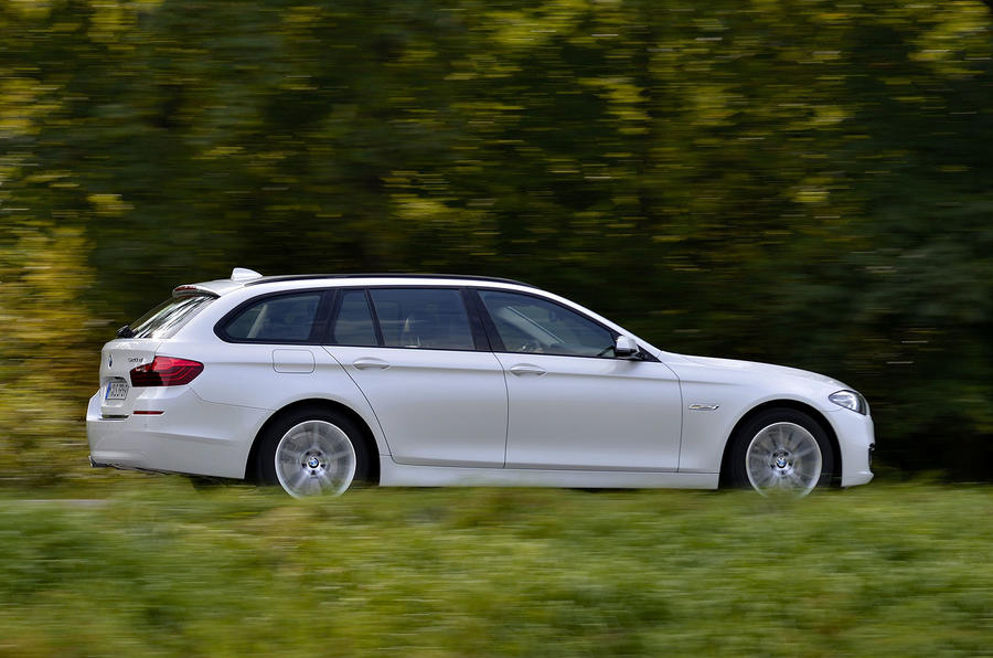 BMW 520d Touring side profile