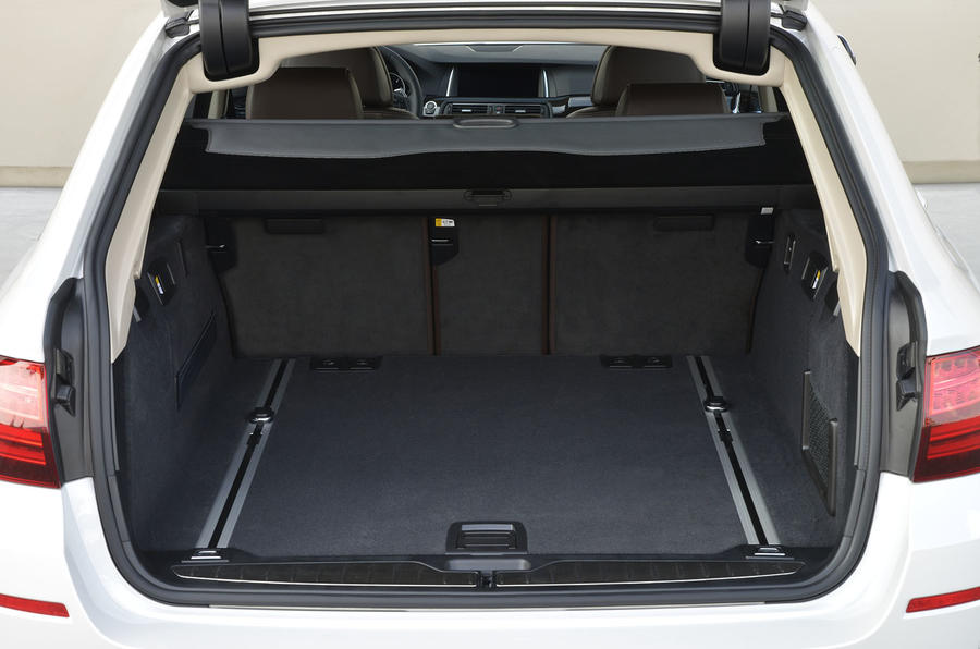 BMW 520d Touring boot space