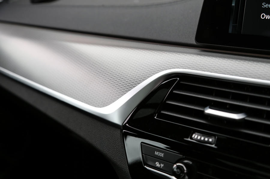 BMW 6 Series Gran Turismo carbon fibre trim