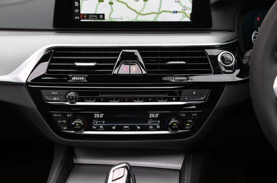 BMW 6 Series Gran Turismo centre console