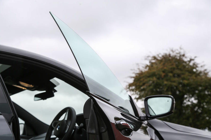 BMW 6 Series Gran Turismo frameless door frames