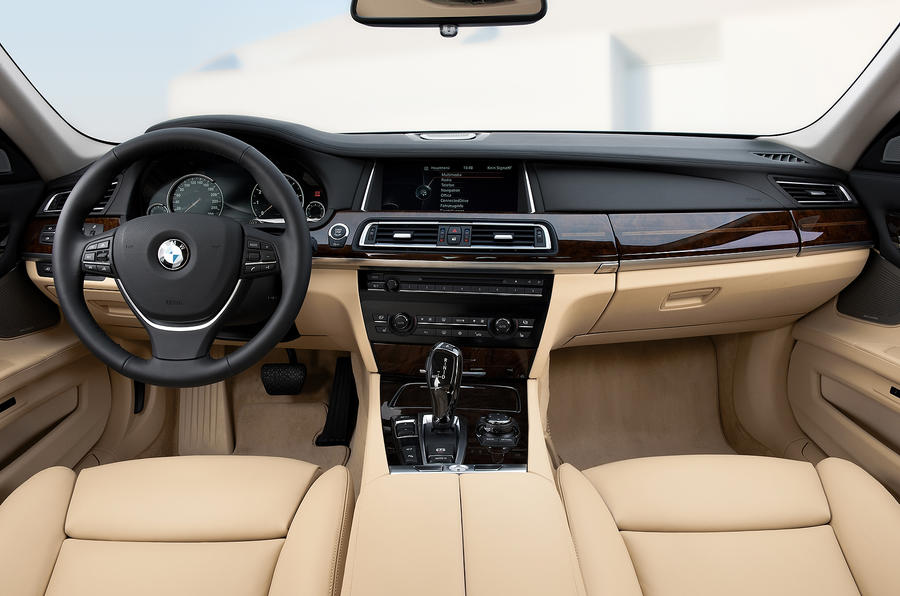 BMW 750i dashboard