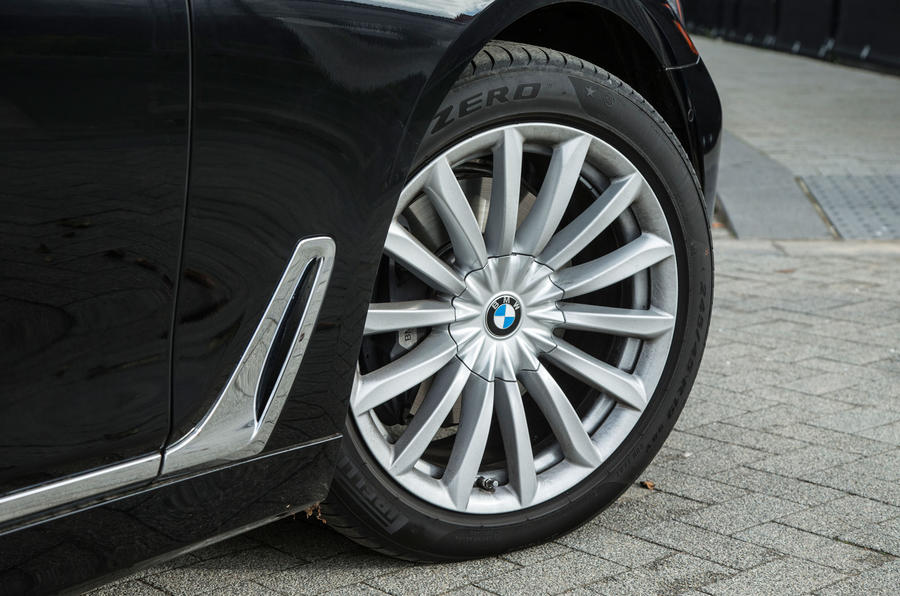 BMW 7 Series 20in alloys