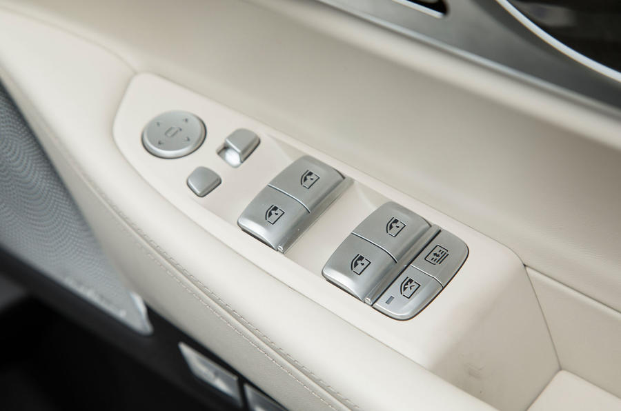 Driver door controls on the 7 Series