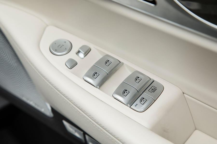 Driver door controls on the 7 Series