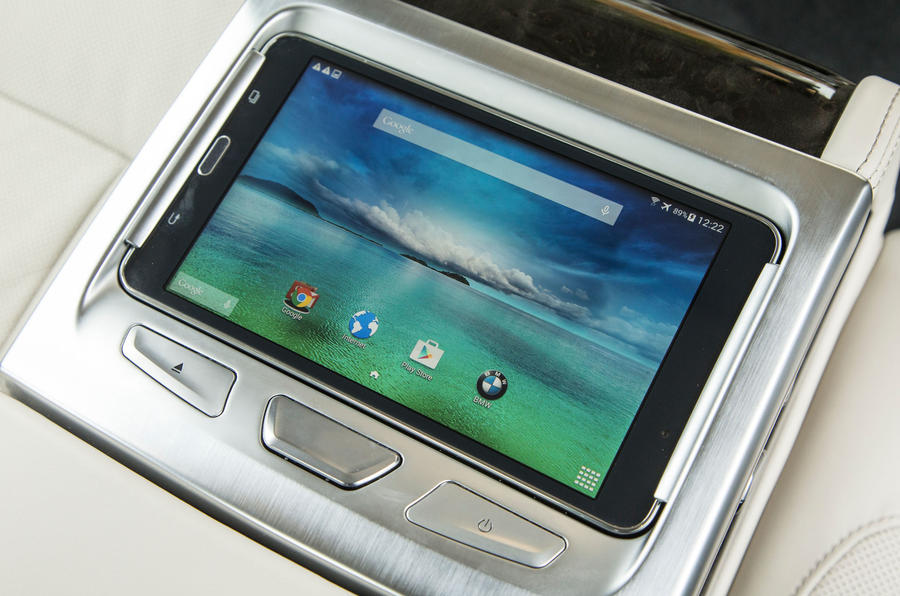 7 Series rear passenger tablet