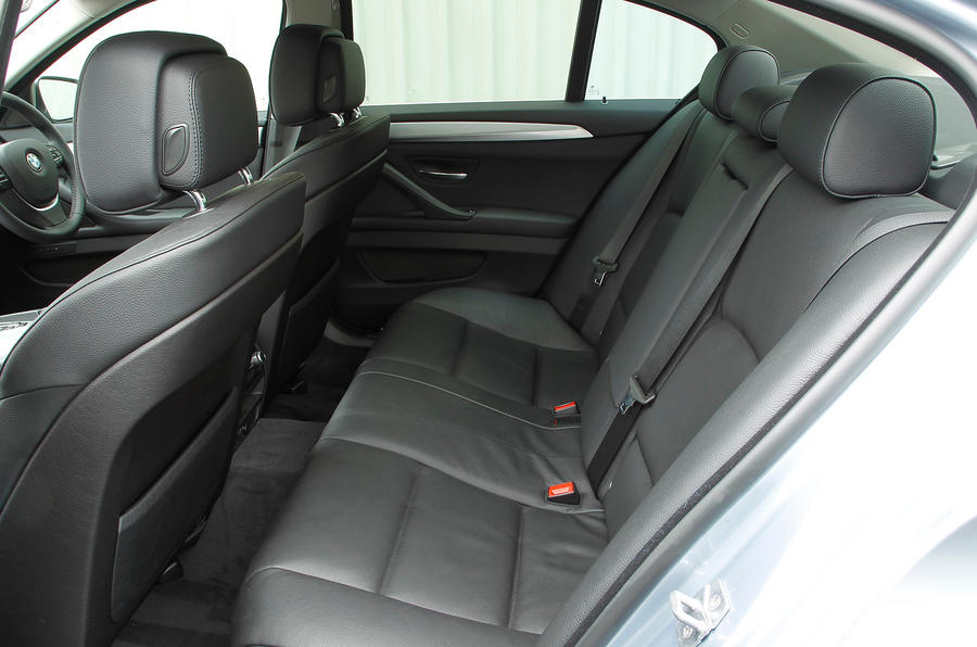 BMW ActiveHybrid 5 rear seats