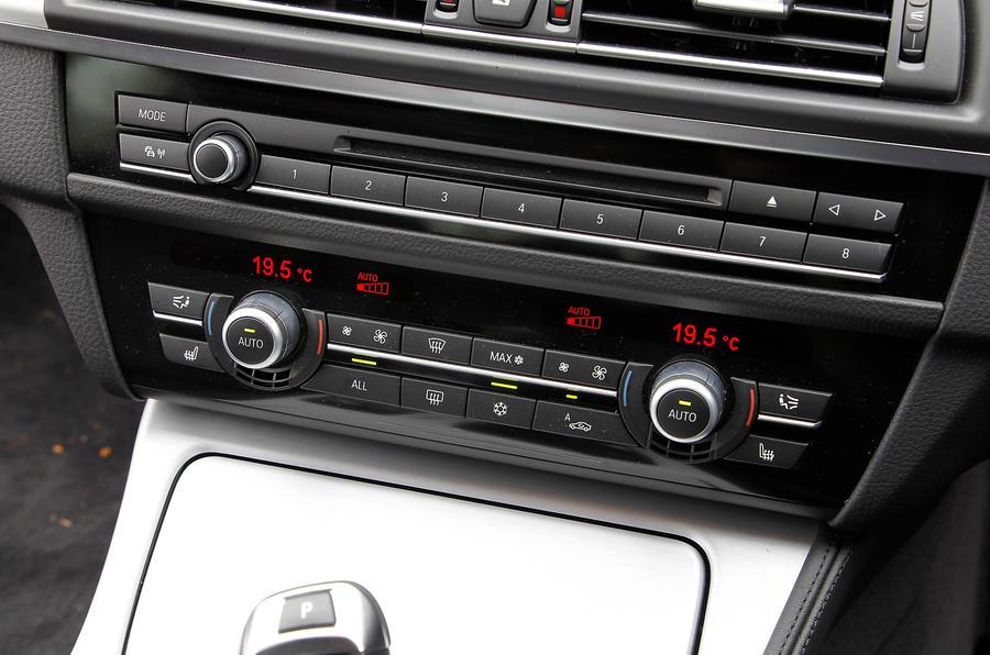 BMW ActiveHybrid 5 switchgear