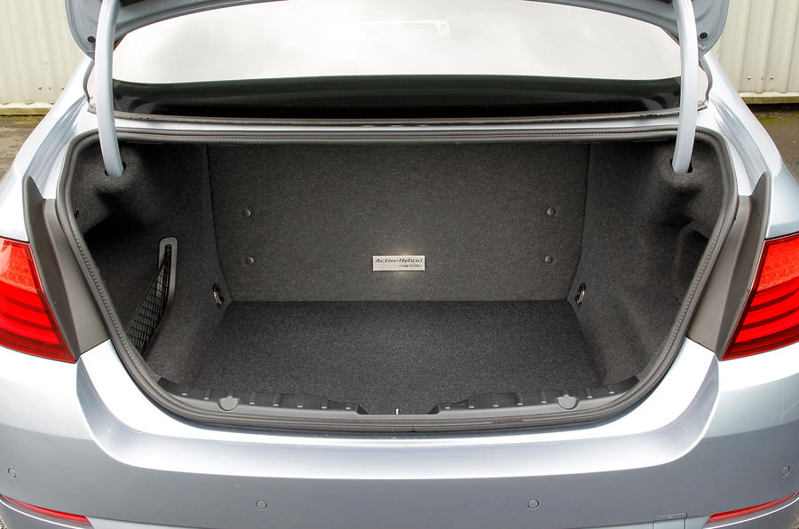 BMW ActiveHybrid 5 boot space