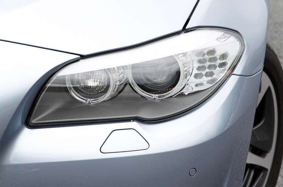 BMW ActiveHybrid 5 xenon lights