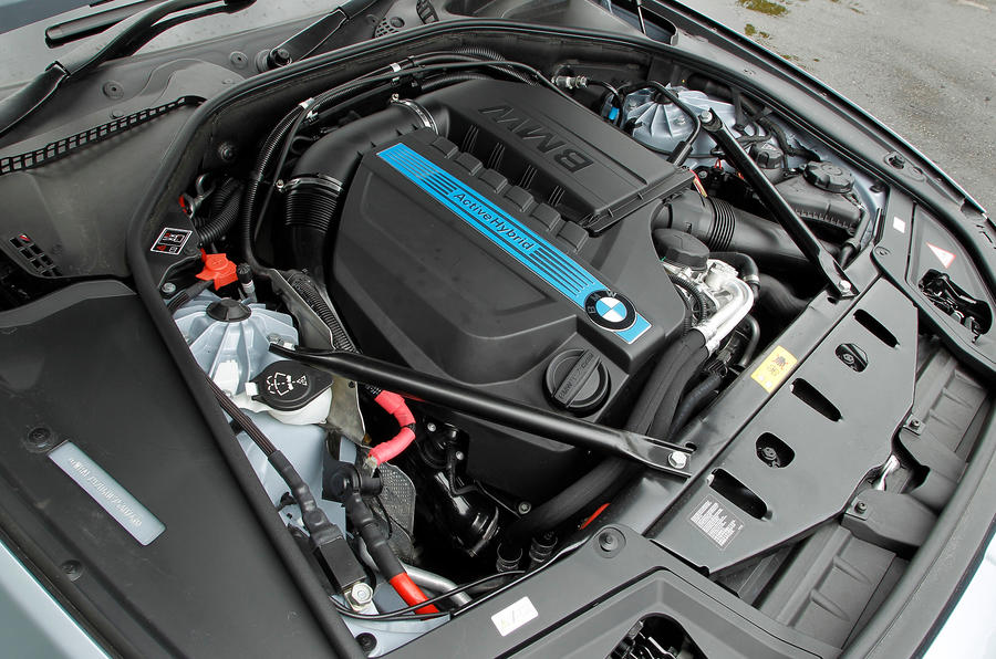 BMW ActiveHybrid 5 petrol electric engine
