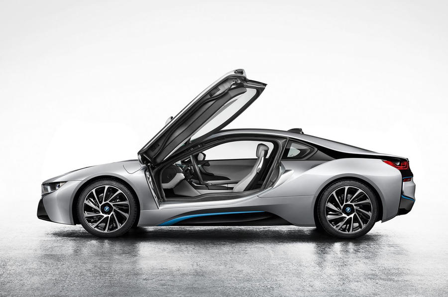 BMW i8 revealed in production specification
