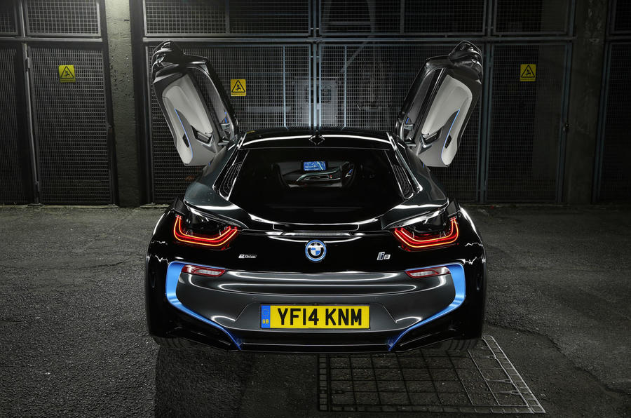BMW i8 can operate in electric mode