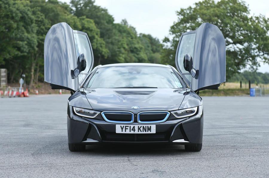 BMW i8 flamboyant doors