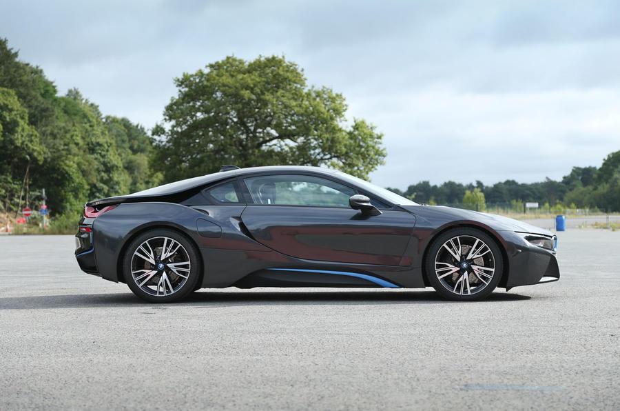 Petrol-hybrid BMW i8