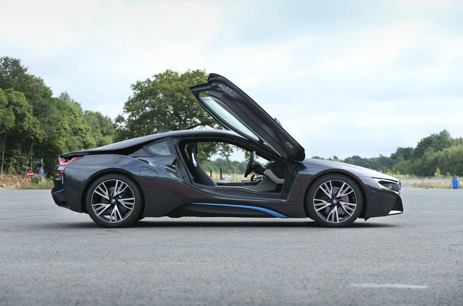 BMW i8 side profile