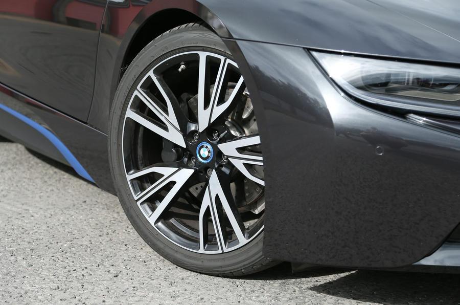 BMW i8 20in alloys
