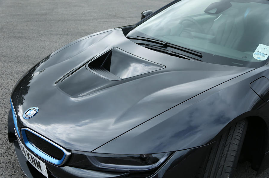 Hydroelectric-powered BMW i8 coupé
