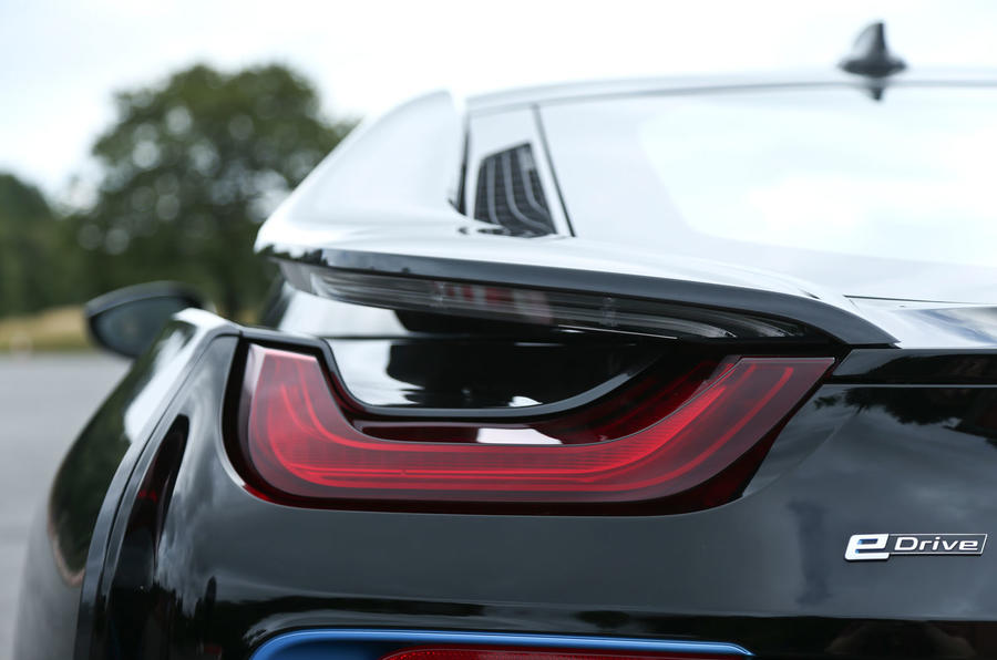 BMW i8 tail lights