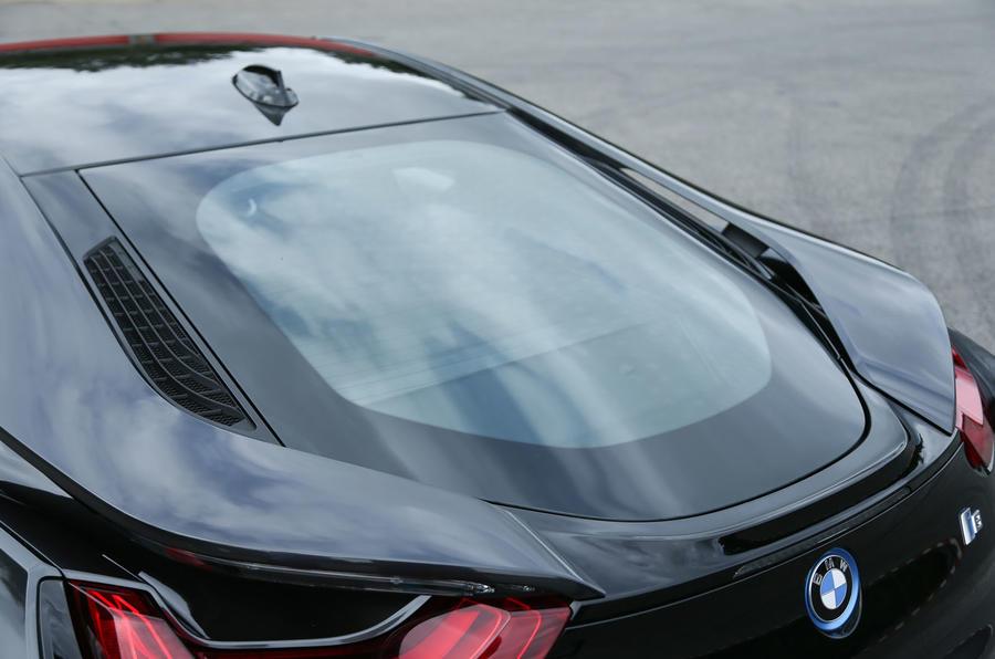 BMW i8's rear windscreen