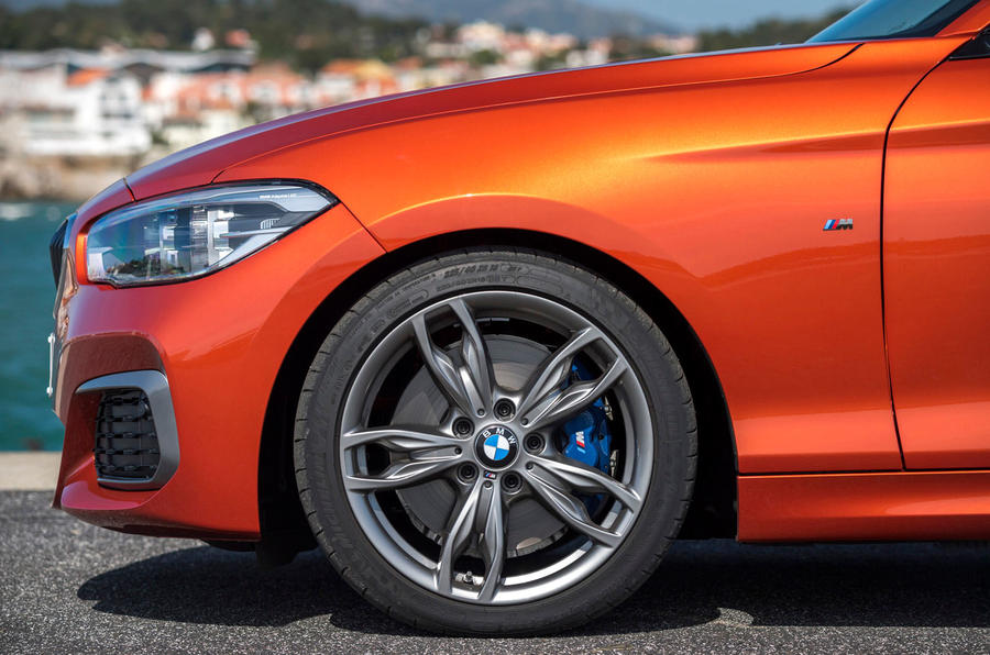 Dark chrome M135i alloys