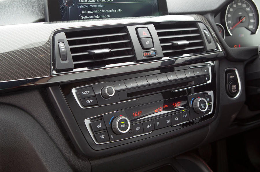 BMW M4 centre console switchgear