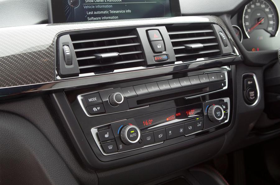 BMW M4 centre console switchgear