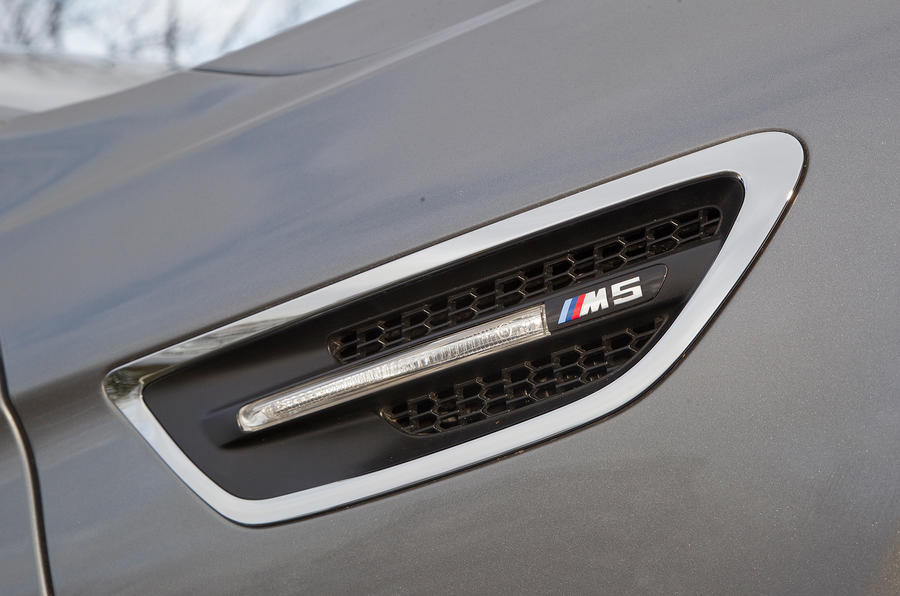 Front gils on BMW M5