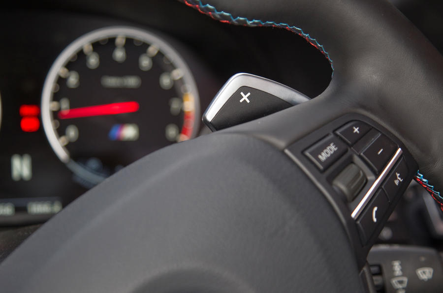 BMW M5 flappy paddles
