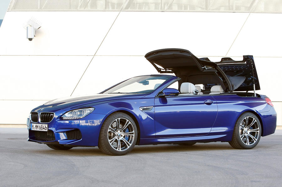 BMW M6 Convertible roof closing