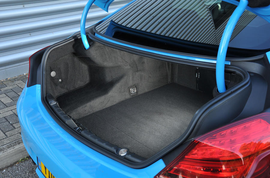 BMW M6 boot space