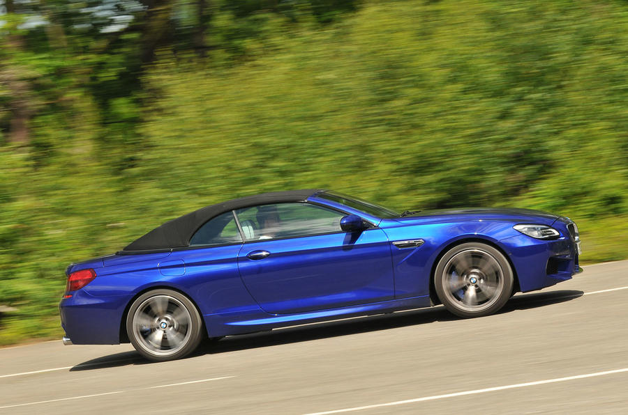 Roof-up BMW M6 Convertible
