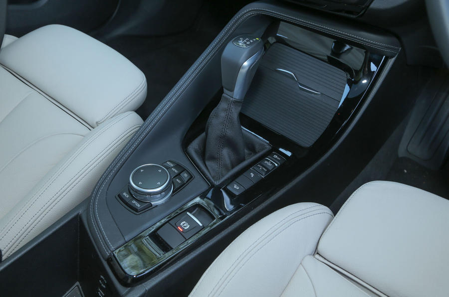 The automatic gear lever fitted in the BMW X1, which is similar to those in the Mini