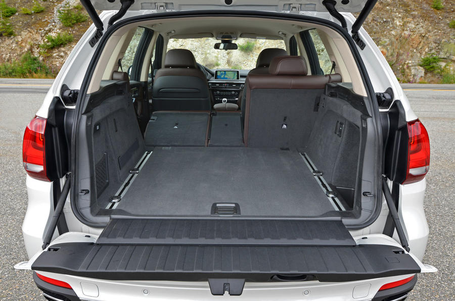 BMW X5 xDrive25d seating flexibility