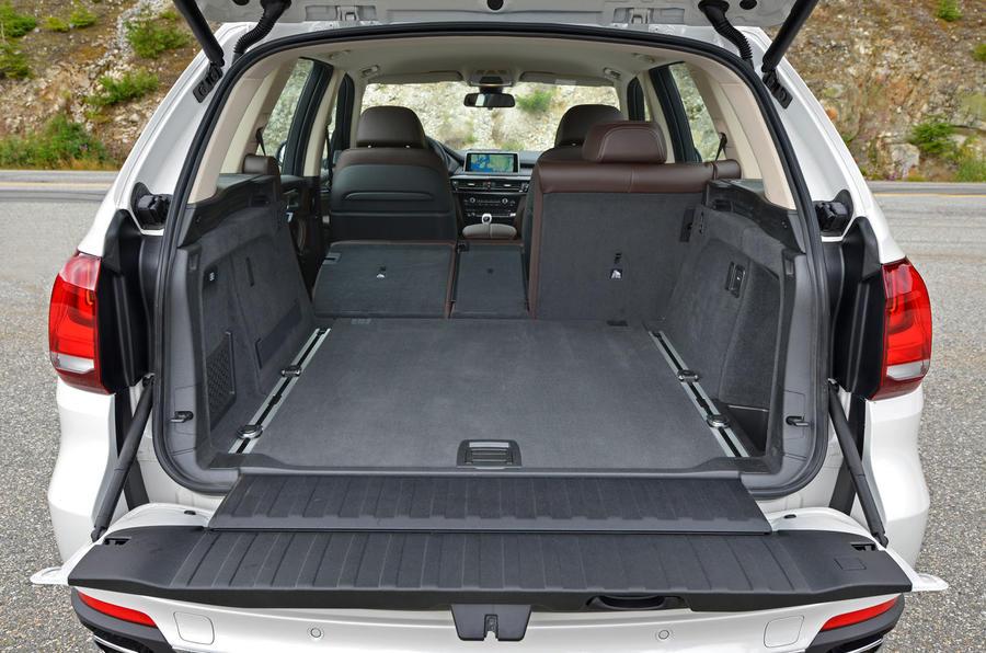 BMW X5 xDrive25d seating flexibility
