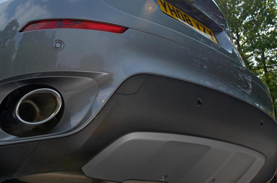 BMW X6 fake rear diffuser