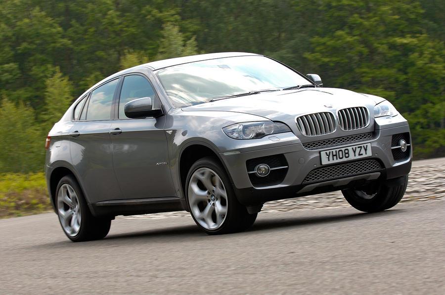 BMW X6 cornering