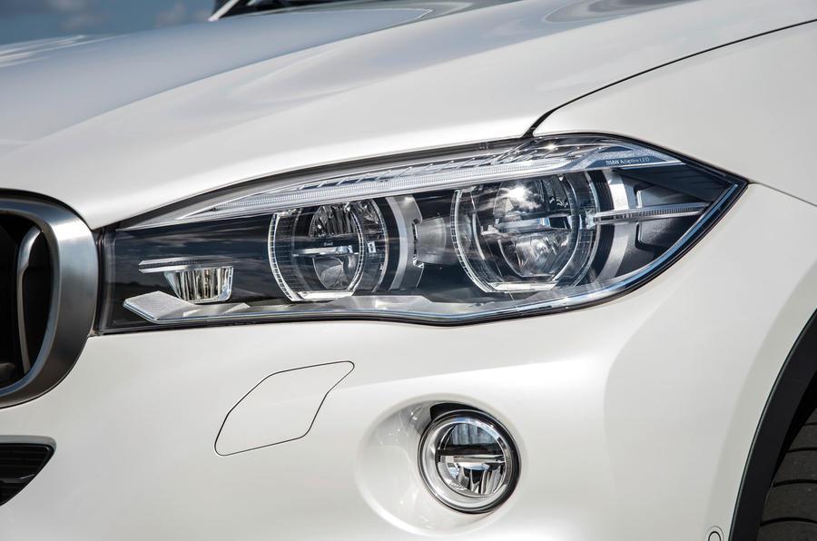 BMW X6 xDrive50i bi-xenon headlights